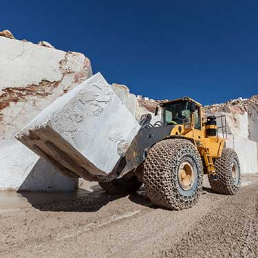 advantages-of-derby-line-cross-border-freight-with-r+l-global-logistics-marble-granite-mining