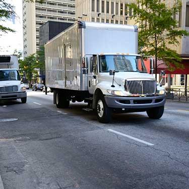 cross-border-freight-r+l-global-logistics-dryvan